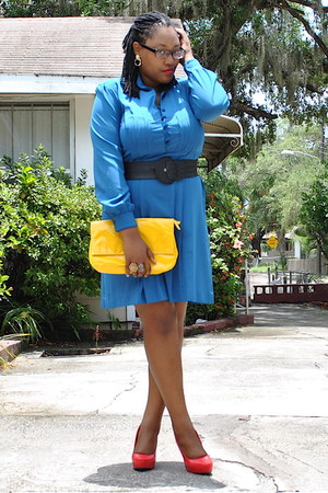 blue 70s polyester vintage dress - yellow Target bag - red Body Central pumps
