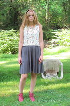 white vintage talbots crop top top - gray American Apparel skirt - red vintage f