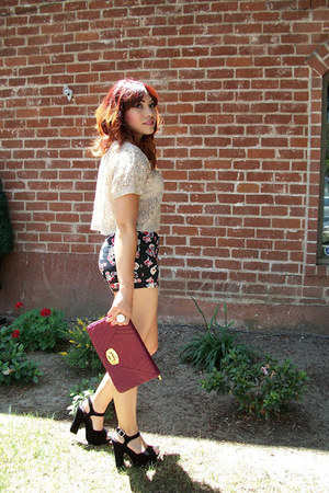 black unknown heels - maroon Urban Expressions bag - black Forever 21 shorts