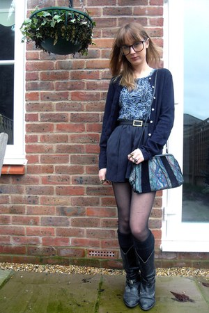 black thrifted boots - navy thrifted bag - navy Topshop shorts - black thrifted