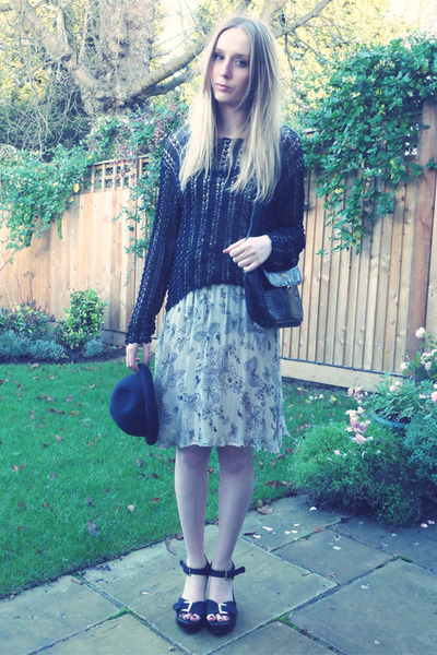 black H&M hat - Miss Selfridge dress - thrifted bag - thrifted jumper