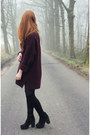 Black-ark-boots-crimson-zara-sweater-black-zara-bag
