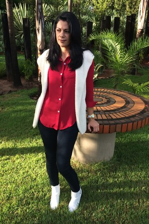 brick red romwe vest - white AmiClubWear boots - white Newchic jacket