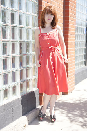 red thrifted vintage dress - black modcloth heels