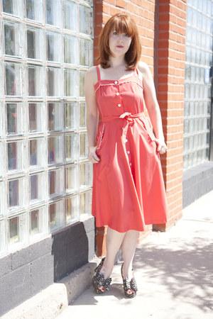 red thrifted vintage dress - black modcloth heels