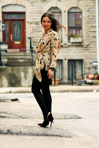 neutral Club Monaco top - black GoJane heels