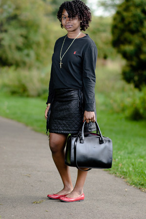 leather skirts Boohoo skirt - sweater Ralph Lauren sweater - black Zara bag