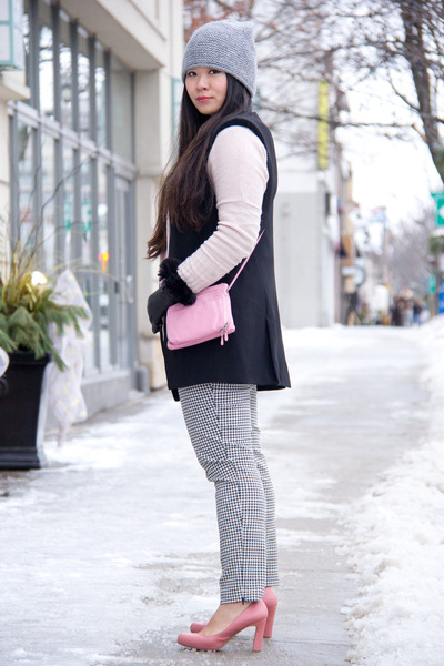 black black and white H&M sweater - silver grey beanie Zara hat