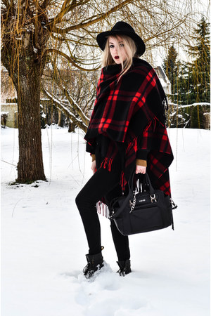 black Dr Martens boots - black liu jo bag - crimson The Kooples cape