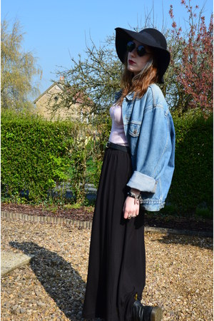 sky blue vintage Levis vest - black Dr Martens boots - black H&M skirt