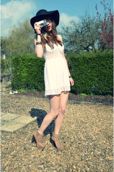 vintage hat - lace dress Reverse dress - Jeffrey Campbell heels