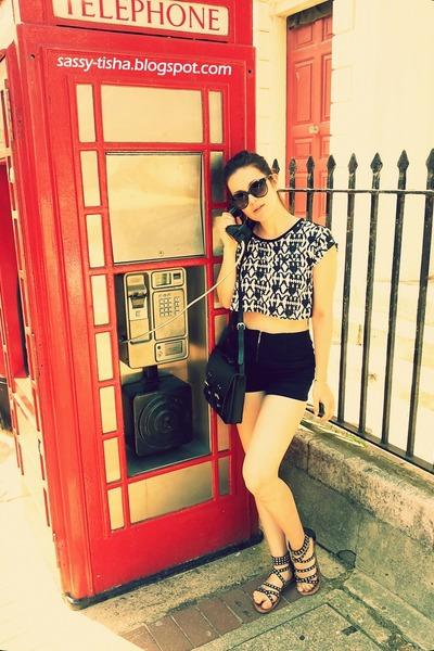 black Bershka shorts - black retro H&M bag - retro H&M sunglasses