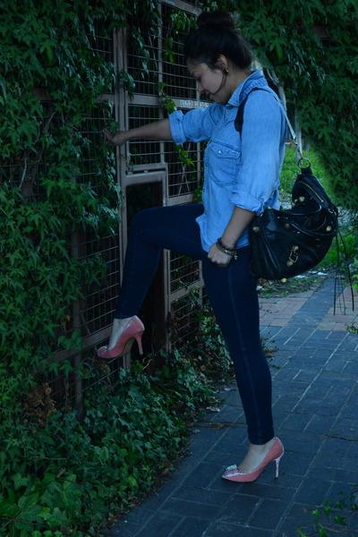 black balenciaga purse - navy Abercrombie jeans