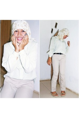 polkadot hijab scarf - thrifted top - Contempo pants - unbranded sandals
