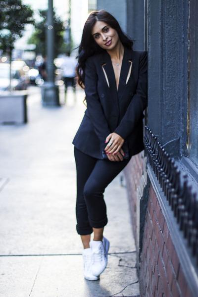 black blazer funktional blazer - black vince pants - white Superga sneakers