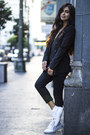 Black-blazer-funktional-blazer-black-vince-pants-white-superga-sneakers