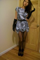 dress - Lord and Taylor gloves - Steve Madden shoes - belt - Chanel lambskin 255
