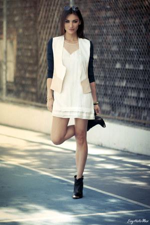 Diane Von Furstenberg jacket - Dolce Vita boots - Miu Miu sunglasses