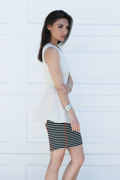 striped skirt Suboo skirt - She Inside top - Hearts bracelet
