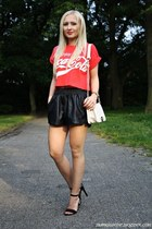 black shorts - white bag - black Primark heels