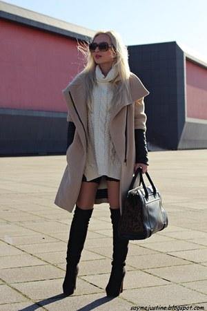camel Zara coat - black boots - cream sweater - black bag