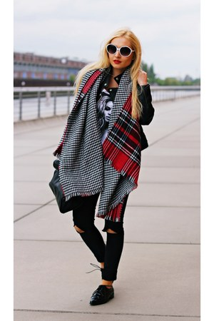 black jacket - red scarf - black bag - white Moschino sunglasses - black flats