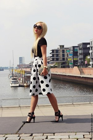 white skirt - black shoes - black bag - black Prada sunglasses - black top