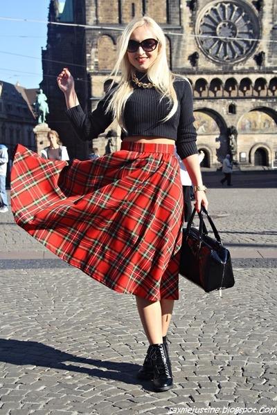 red skirt - black boots - black H&M  DIY sweater - black bag - gold necklace