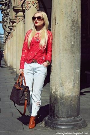 tawny shoes - light blue jeans - tawny bag - bronze sunglasses - red blouse