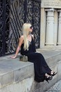 Black-dress-black-bag-black-sunglasses-black-sandals-gold-watch