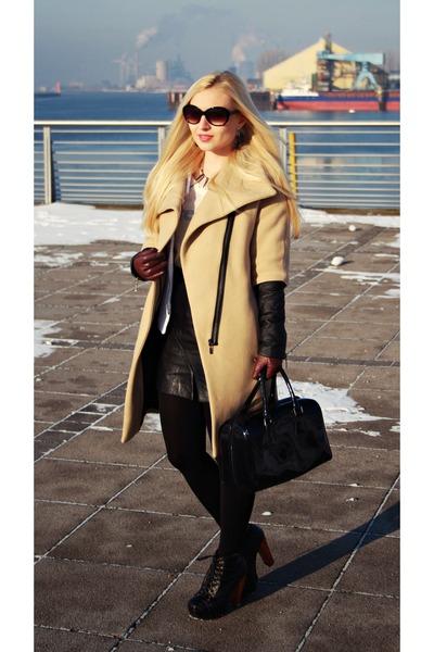 nude Zara coat