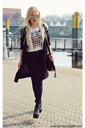 black shoes - black bag - black cardigan - black pants - white t-shirt