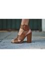 Clutch-bcbg-max-azria-bag-love-stylize-bracelet-shoedazzle-heels