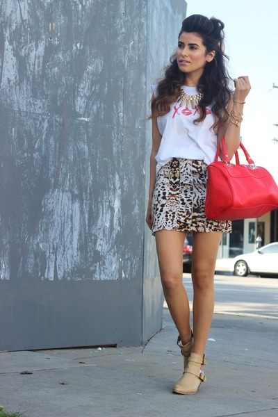 Zara skirt - nude ankle Forever 21 boots - red hand bag Express bag