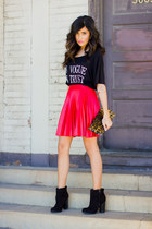 black crop top Love shirt - black suede booties Forever21 boots