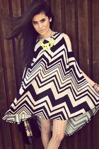 black zig zag dress Forever21 dress - chartreuse neon Forever21 necklace