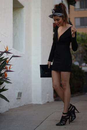 black Nasty Gal dress - black clutch bcbg max azria bag - Forever 21 accessories