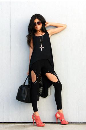 hot pink marie pump Shoedazzle heels - black open front Diva NY leggings