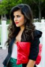 Red-clutch-sammoon-bag-black-vintage-blazer