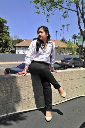 black skinny Macys jeans - white polka dots thrifted shirt - beige Cooperative w