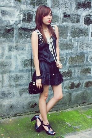 black Parisian shoes - black prp dress