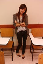 gray babo cardigan - gray Just G shirt - black Jag jeans - black shoes - black b