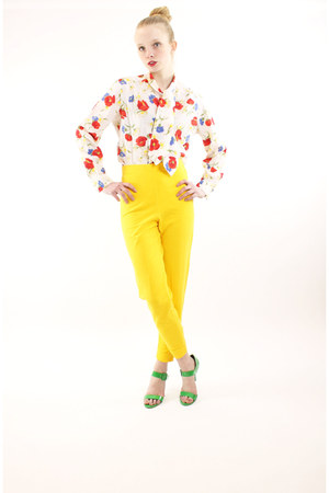 yellow vintage knit The Limited leggings - white unknown blouse