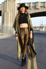 Black-again-shirt-brown-vintage-pants-brown-gold-poncho-again-vest-black-r