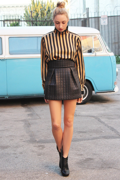 black bubble AGAIN skirt - tan vintage chloe blouse - black marsell wedges