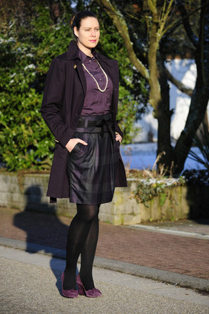 purple trenchcoat DIY jacket - ivory pearls Chanel necklace
