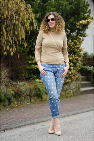 beige Strenesse sweater - light blue polkadot DIY jeans - tan shoulder Zara bag