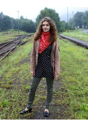 polka dots dress - Trousers pants - Blazer scarf shoes accessories