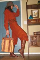 dark brown Donna Carolina boots - tawny thrifted vintage bag