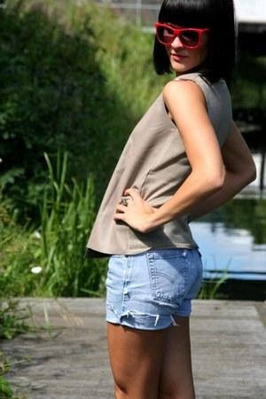 sky blue denim mini Levis shorts